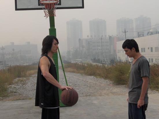 邱泽吴大维在京营造《篮球部落》(组图)