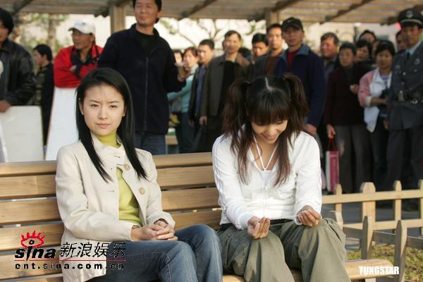 图文:SAYA内地首次触电和董洁拍《天若有情》(3)