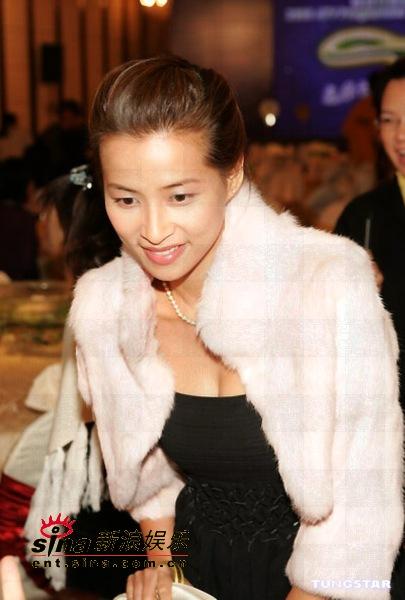 图文:2005亚洲电视节目巡礼盛大举行(28)