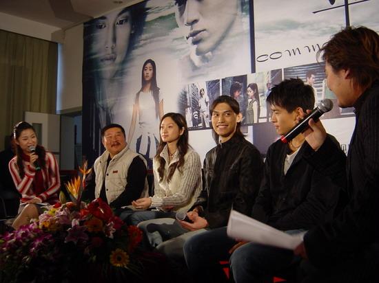 《平淡生活》杭州未映先热主创与观众亲密接触