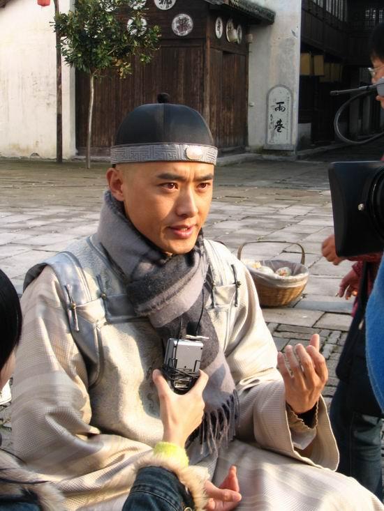 组图:《大清徽商》热拍金素妍任泉接受采访