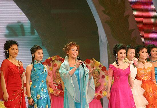 图文:春节晚会首录备播带-合唱