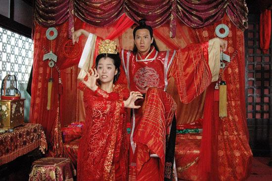 图文:蔡琳张家辉《新醉打金枝》结婚照曝光(6)
