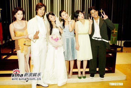 图文:《真命天女》拍毕Hebe着婚纱美若天仙(9)