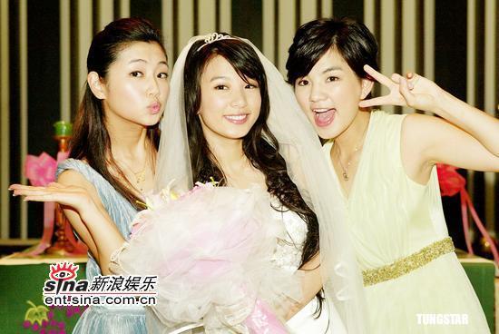 图文:《真命天女》拍毕Hebe着婚纱美若天仙(11)