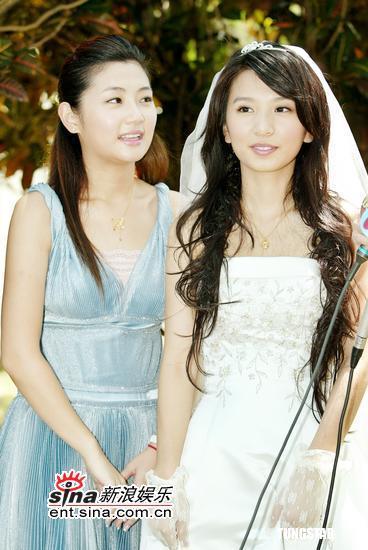图文:《真命天女》拍毕Hebe着婚纱美若天仙(12)