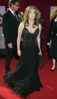 图文:《白宫风云》主演斯道科特詹尼着蕾丝裙