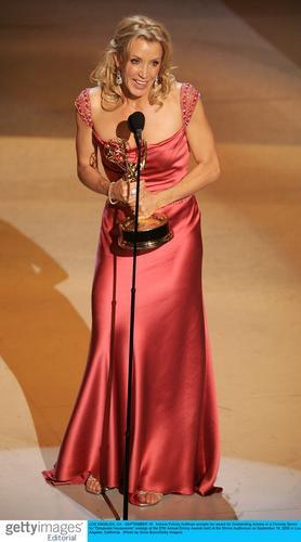 图文:喜剧类最佳女主角弗莉蒂-赫夫曼发表感言