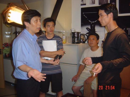 资料图片:《派克式左轮》总导演范小天在现场(3)
