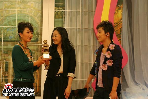 资料图片:《娜可不一样》节目现场--章小蕙