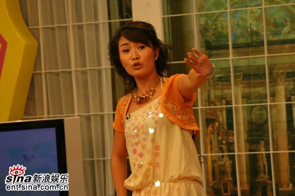 资料图片:《娜可不一样》节目现场-主持人刘娜