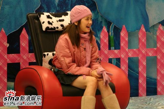 资料图片:张娜拉做客《娜可不一样》节目现场