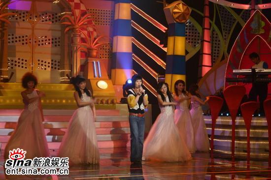 资料图片:《中华情--情艺在线》--金海心献唱