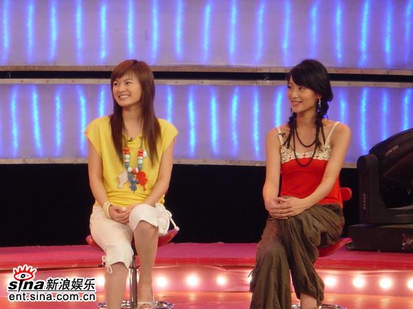 资料图片:《化蝶》节目现场--王婧和朱虹