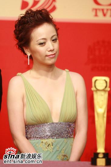 快讯:《女人唔易做》获得最佳剧集大奖