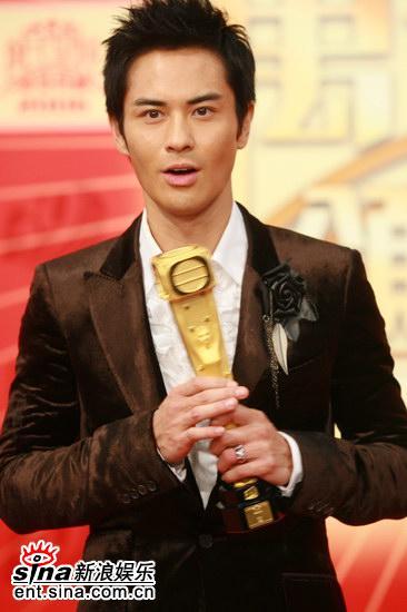快讯:郑嘉颖凭《天幕下的恋人》获最佳男主角奖