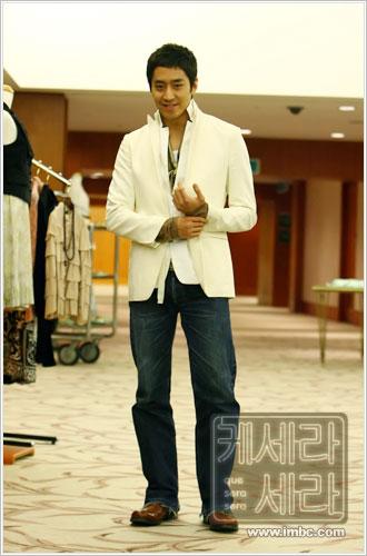 资料:韩剧《顺其自然》人物--文政赫饰姜泰柱
