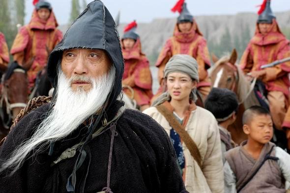 哈萨克斯坦总统为《七剑下天山》谱主题曲(图)