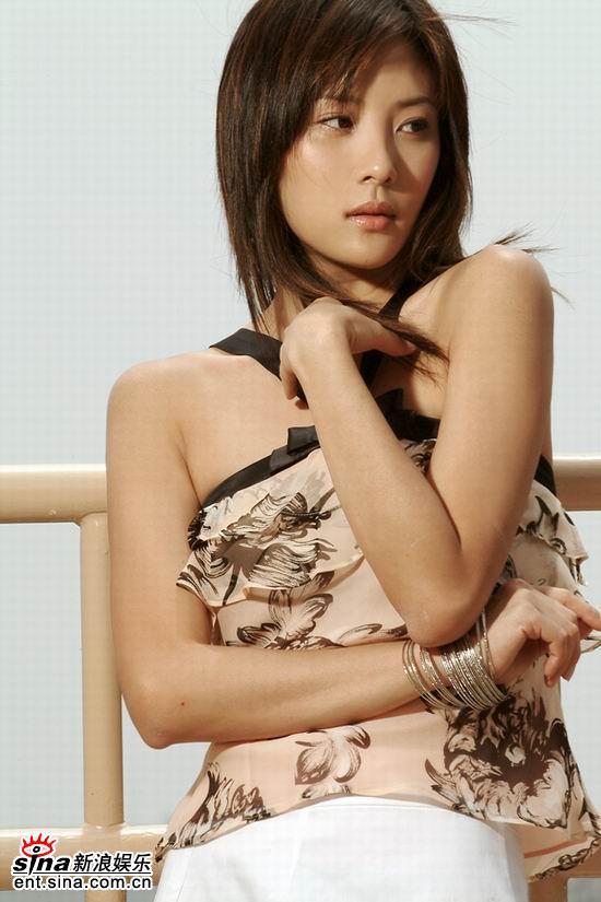 符馨尹《争霸传奇》片场大谈夏日减肥经(附图)