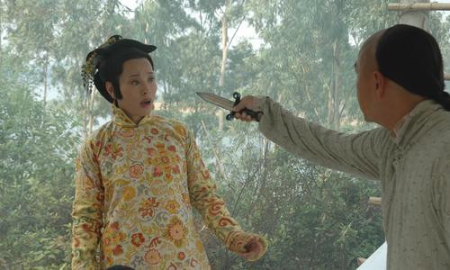 组图:《阿有正传》刘晓庆张卫健玩刀光剑影