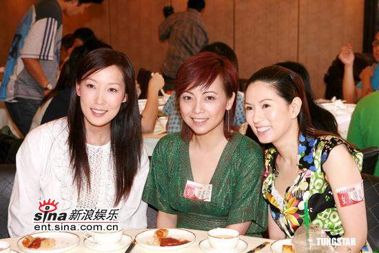 组图:邓萃雯罗慧娟等出席《女人唔易做》宣传