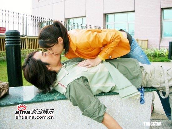 组图:台湾超级偶像剧《白袍之恋》剧情大曝光