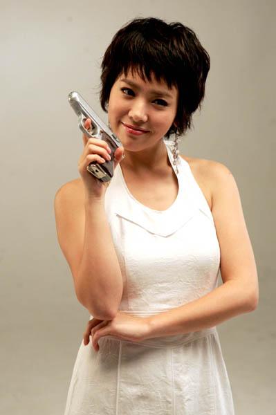 组图:韩剧《无敌降落伞要员》公布主演定妆照