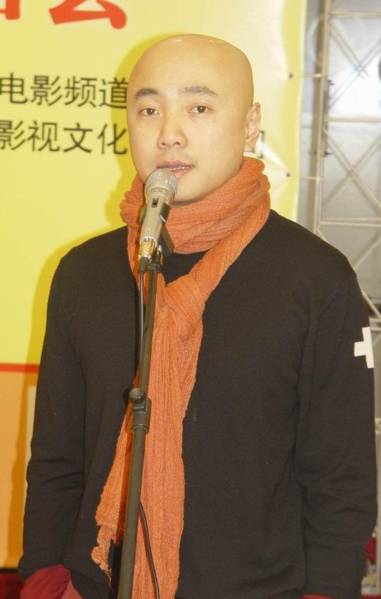组图:张庭徐峥宣传《满汉全席》现场秀厨艺