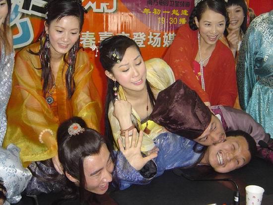组图:四美女性格大逆转《乘龙怪婿》开涮美女