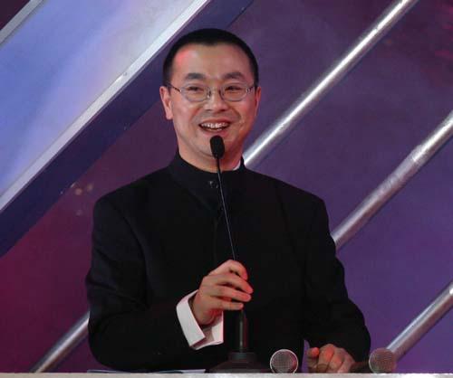 刘仪伟中国电视主持人颁奖盛典上火速救场(图)