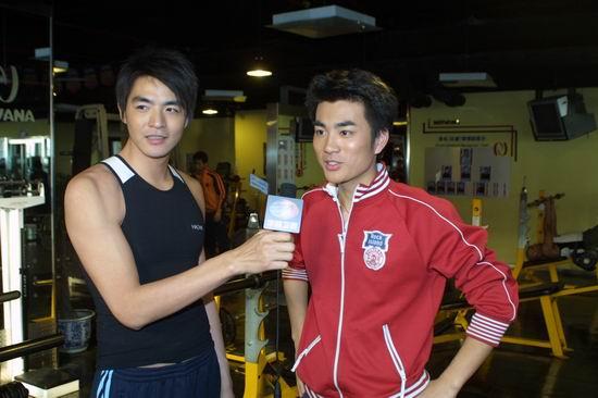 组图:李湘打造《星运动》李学庆高海博玩健身