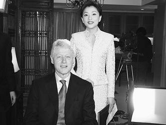 克林顿在京接受杨澜采访非常满意目前平民生活