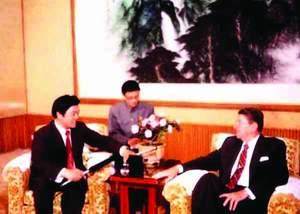 2004中国电视节目榜揭晓赵忠祥最有价值(组图)
