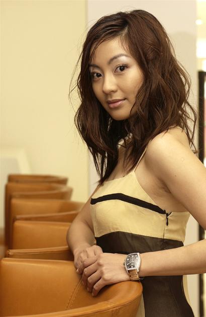 新加坡美女陈秀丽有望出演《大清后宫》(组图)