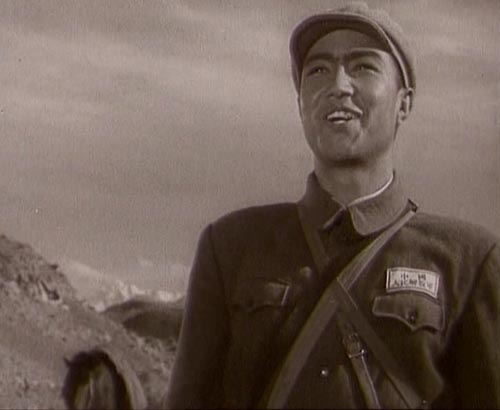 寻找古兰丹姆阿米尔《冰山上的来客》搬上荧屏