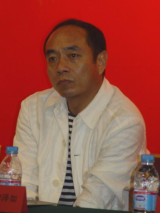组图:《生存之民工》明日首播主演上海宣传