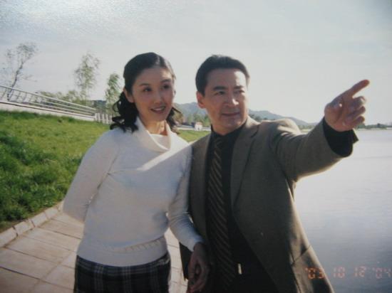 眼下剧中北京电视台的频道演员中青年,在正在出演林芳的小说卫星李婷电视剧欢乐颂改自谁的播出图片