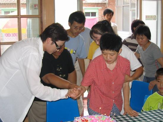 帮助北京弱智儿童