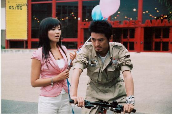 刘涛暑期拍戏不停歇巴黎谱《恋歌》任泉来护花