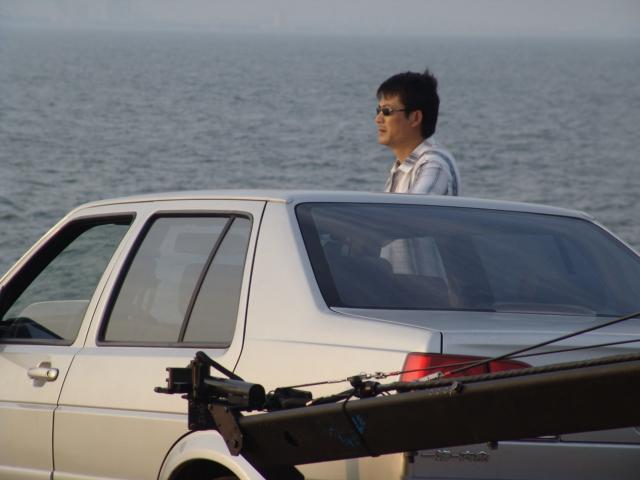 组图:《下一站是幸福》转场北戴河拍摄海边戏