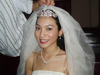 邬玉君《派克式左轮》日记--穿上美丽婚纱(图)
