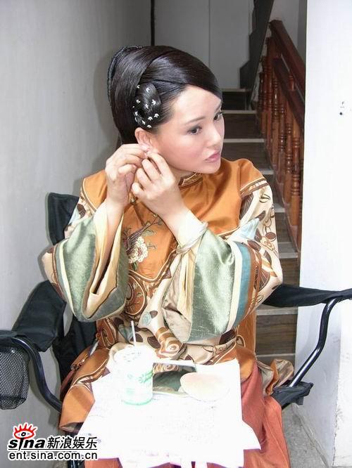 影视演员杨欣_正文  杨欣  点击此处查看全部娱乐图片   内地影视圈小花旦杨欣,最近