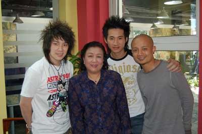 《梦想中国》三个男生一台戏三强推出经典之夜