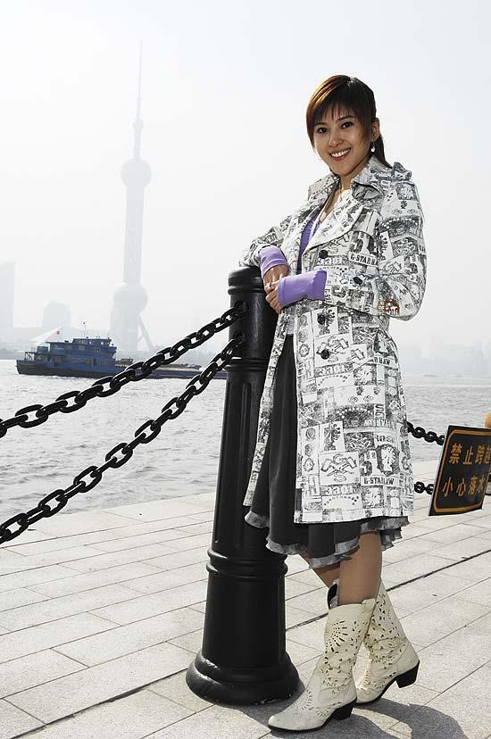 《现代美女》上海盛大开机俊男美女齐亮相(图)