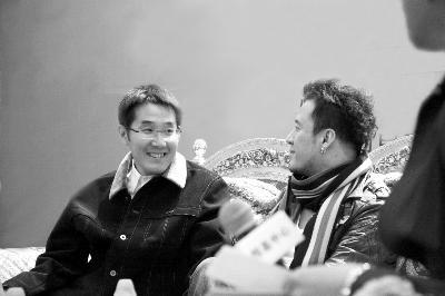 杨坤携手海岩演唱主题曲斥流行乐坛倒退15年