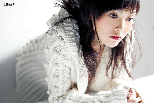 杨恭如唐嫣两大美女上海共同演绎《现代美女》