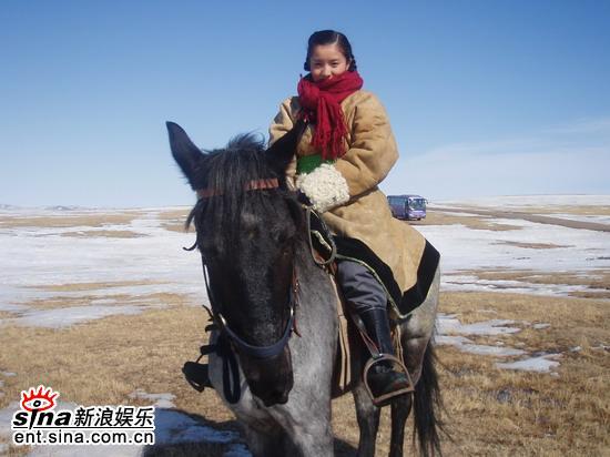 王雪洋跟着《我的青春我的梦》剧组去旅行(图)