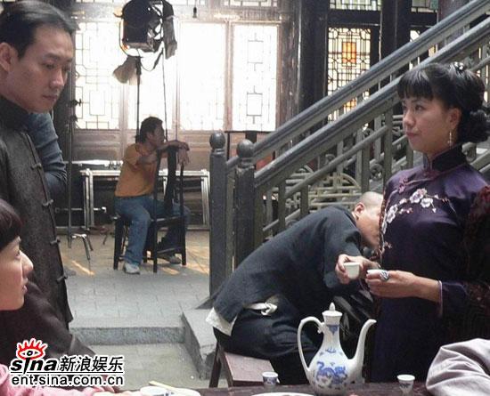 新《秋海棠》开拍小表情与大男人频频搞笑(图a表情点女人包图片