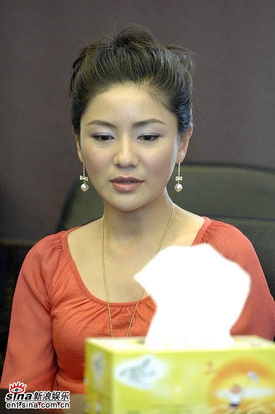 《红幡》上海播出在即胡可孤身造势谈真爱(图)