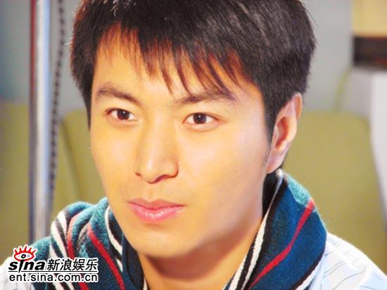 影视新人杜俊泽8日15时做客聊《妈妈无罪》(图)
